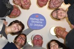 """Gruppenfoto zum 22. Oktober """"Welttag des Stotterns"""""""